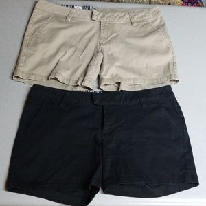 Volcom 2 pairs of short, size 3, black & tan